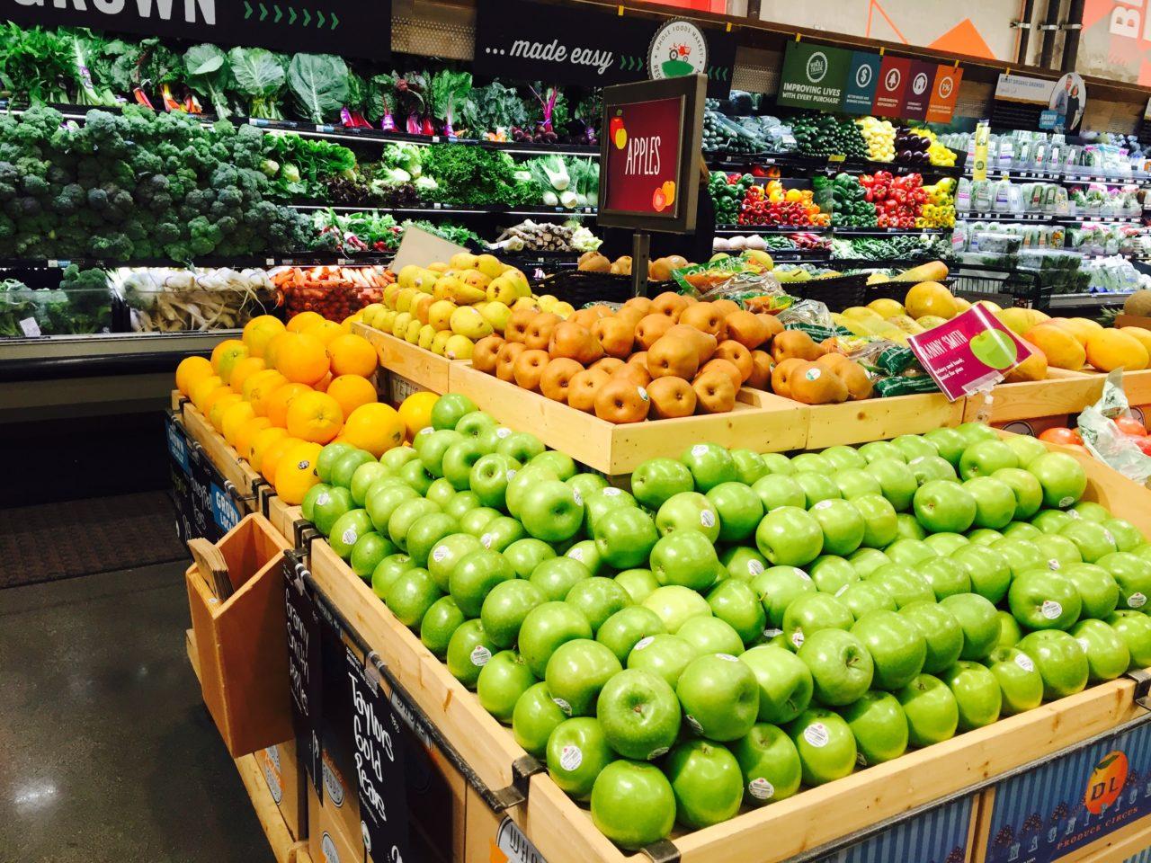 アメリカのスーパーの野菜売り場