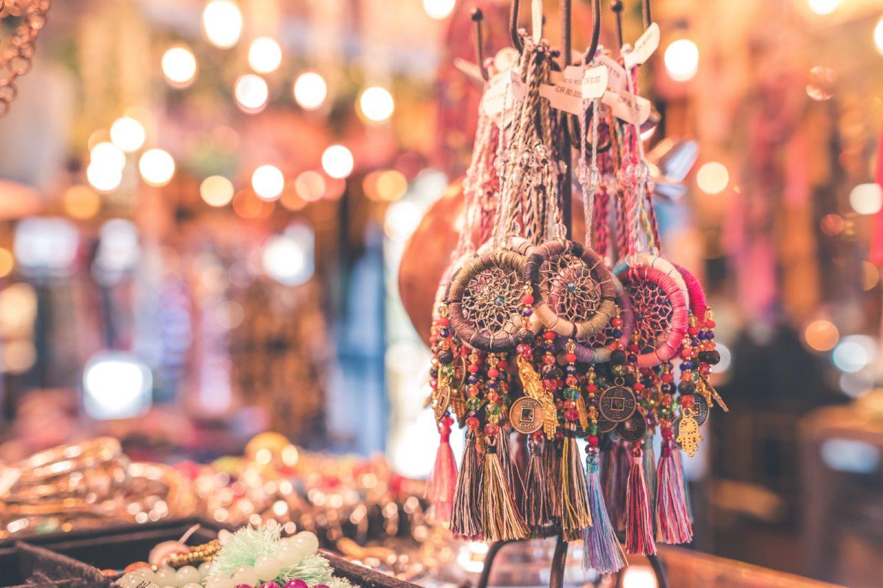 【インドヨガ土産】アクセサリーやアーユルヴェーダのギーなどおすすめ雑貨とお菓子