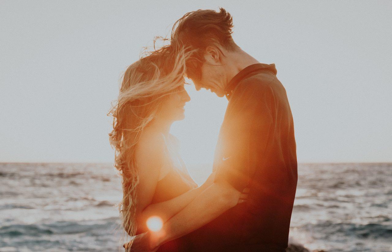 【ペアーズ】外国人と出会える?Pairsの評判や外国人の恋人・マッチング方法