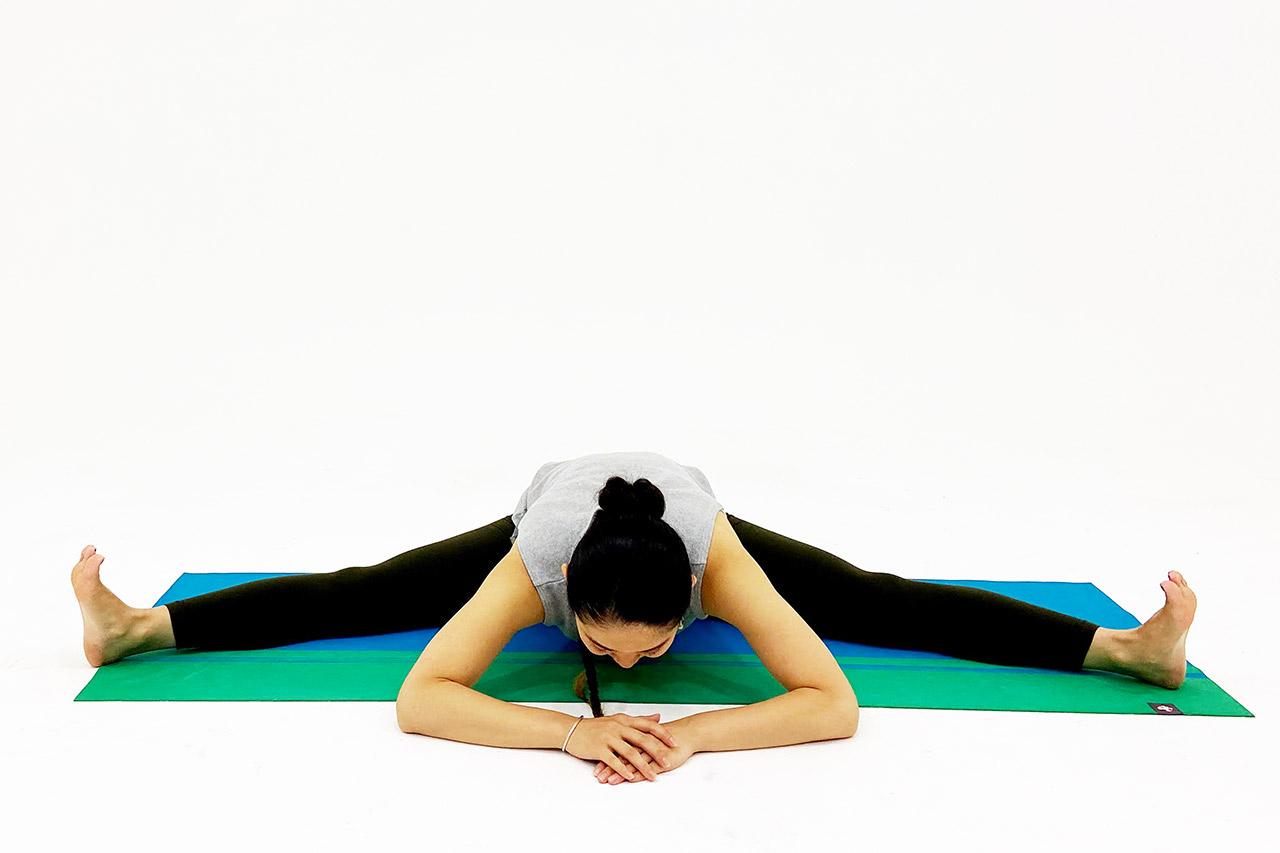 股関節から上体を前傾